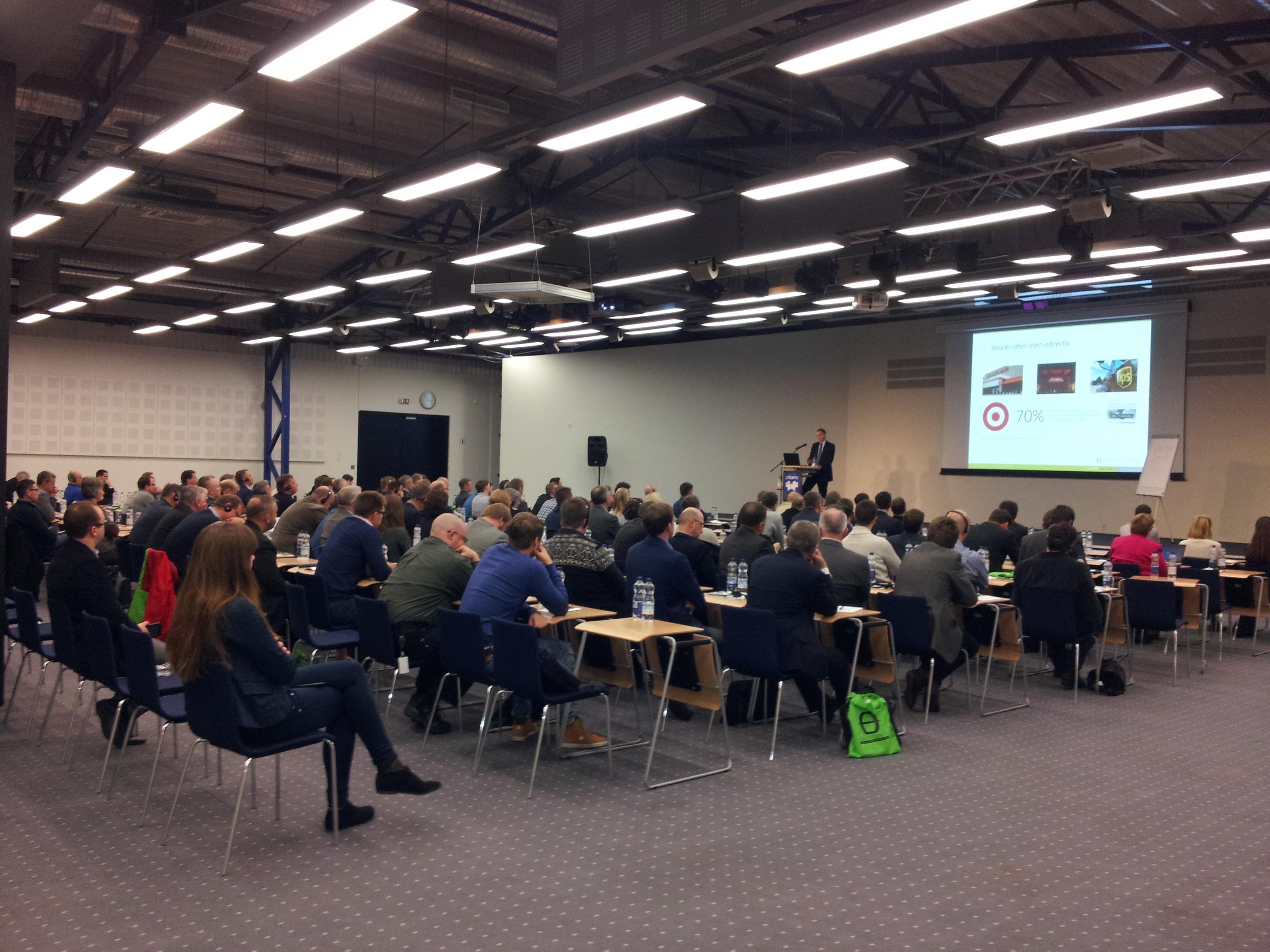 """2018 seminaras """"Informacijos (kibernetinio) saugumo pažeidžiamumai, jų nustatymas ir vertinimas"""""""